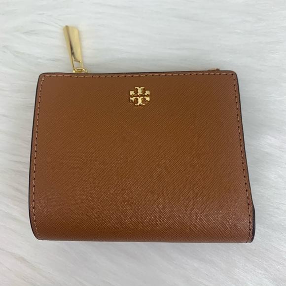 Tory Burch Handbags - Tory Burch Emerson mini Wallet